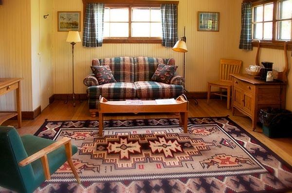 Applegate Cabin Living room