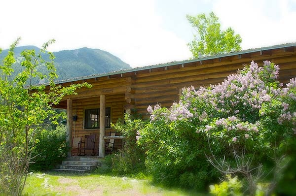 Big Grahm cabin exterior