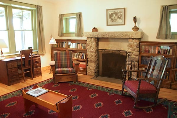 Col. Hall Cabin living room