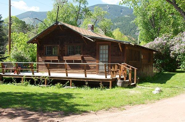 Daily Cabin Exterior