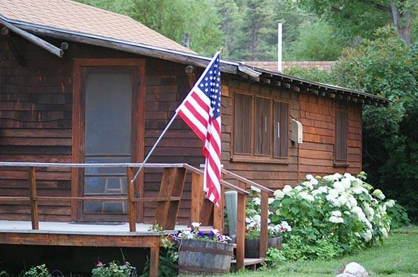 Dailey Cabin Exterior