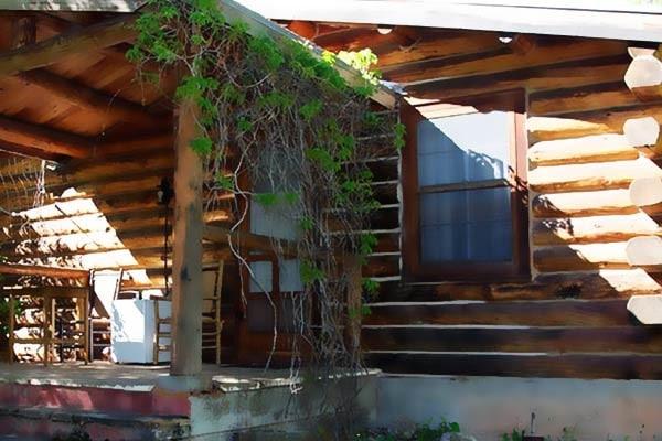 Clapp Cabin Exterior