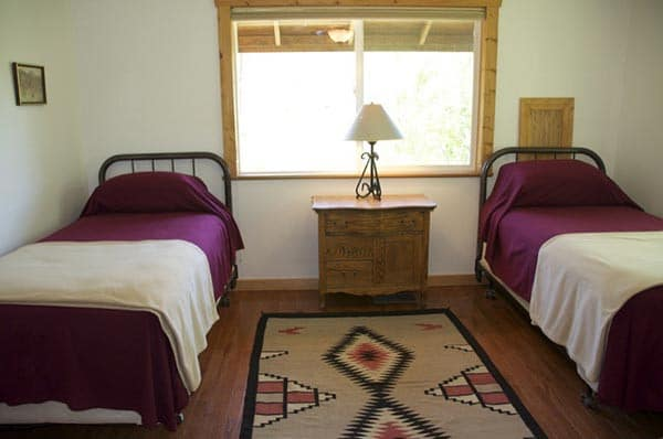 Little Antlers Cabin twin beds