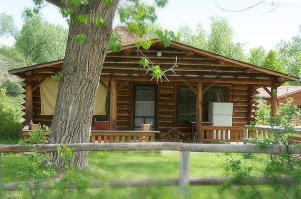 Lodge Cabin exterior