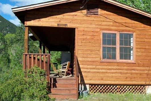Stevens Cabin Exterior
