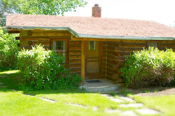 Toyland Cabin Exterior