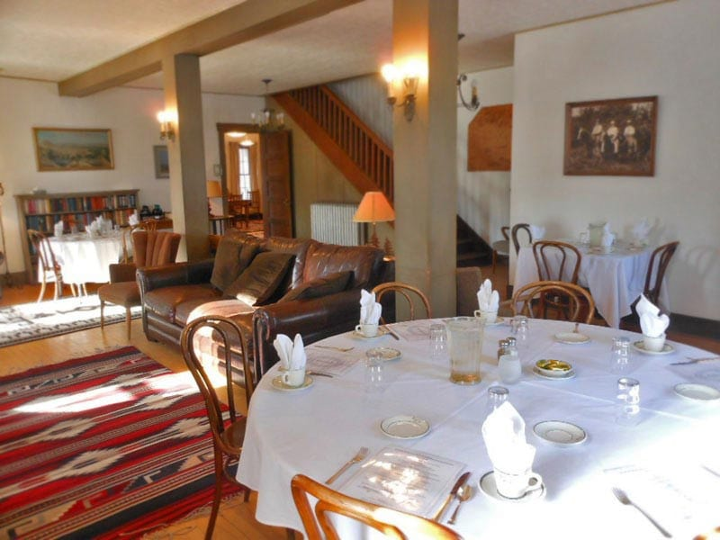 Bighorn Mountains Bed and Breakfast dining