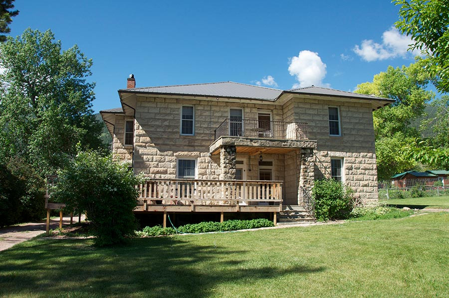 Bighorn Mountains Bed and Breakfast exterior